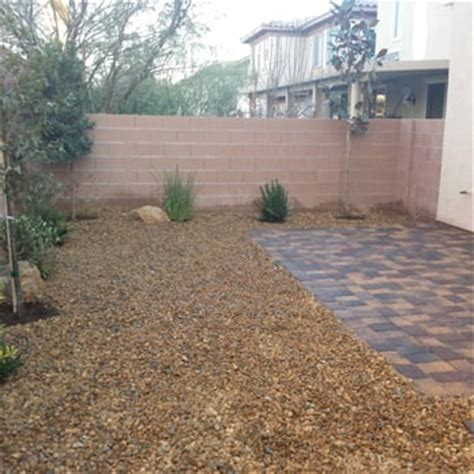 landscaping stones and rocks in las vegas