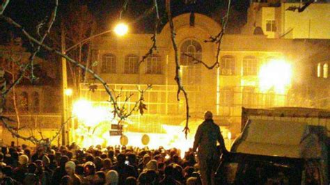 consolato arabia saudita esecuzione al nimr in fiamme l ambasciata saudita a