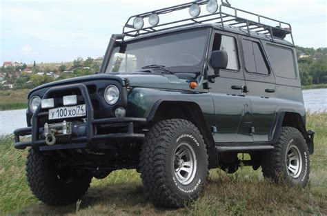 uaz jeep uaz hunter photos and specs photo uaz hunter specs and