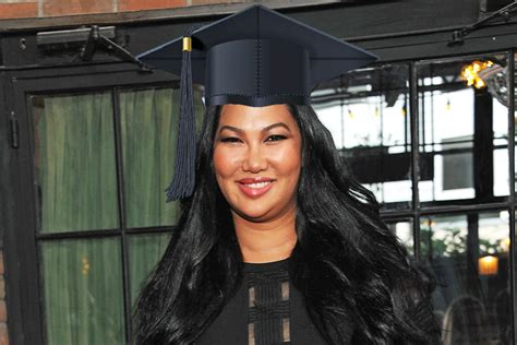 Simmons College Mba Closing by Kimora Simmons Graduates From Of Hartford