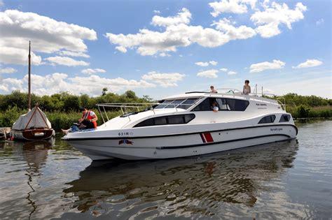 boats norfolk broads fair admiral boating holidays norfolk broads direct