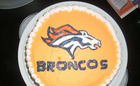 momocakes denver broncos cake