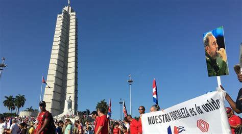 nicols maduro el 1ero de mayo da internacional del trabajador un primero de mayo dedicado a maduro y con bandera de ee uu