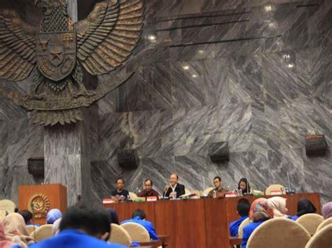 Ilmu Perundang Undangan 12 Asli out class matakuliah pembentukan peraturan perundangan undangan perpu di dpr ri fakultas