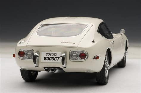 Autoart Toyota 2000gt Autoart Toyota 2000 Gt Coupe Upgraded Version White
