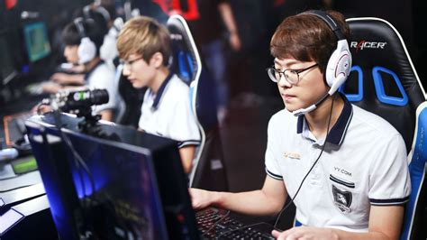 best top laners the five best top laners at the league of legends world