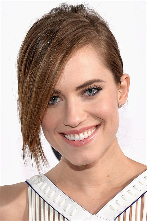 Allison Williams? Sleek Ponytail with Side Bangs Hairstyle