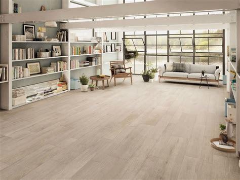 pavimento ceramica effetto legno pavimento in gres porcellanato effetto legno note ivory