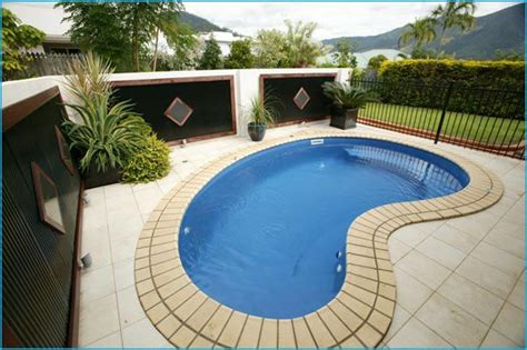 small kidney shaped pool classic kidney shaped swimming pool googie pinterest