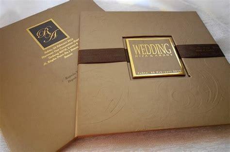 desain undangan pernikahan classic 10 contoh undangan pernikahan elegan hardcover terbaik