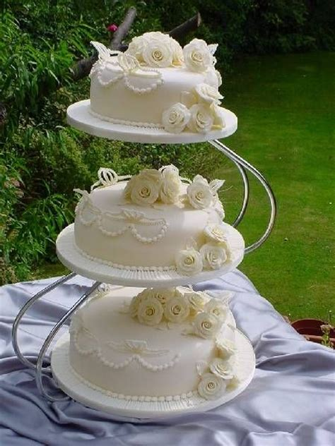 Tips For Cake Decorating At Home by 170 Best Images About Wedding Cakes Seperate Tiers On