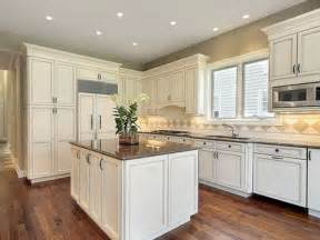 Sherwin Williams Kitchen Cabinet Paint by Sherwin Williams Antique White Kitchen Cabinets Antique