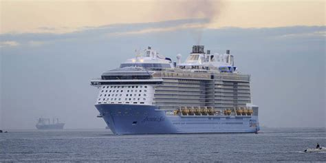 what is the biggest cruise ship in the world biggest cruise ships in the world the world s largest