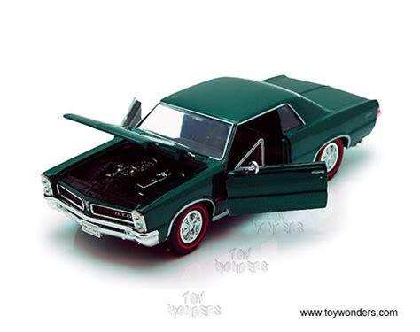 Welly Pontiac 65 Gto Diecast 1965 pontiac gto by welly 1 24 scale diecast model car