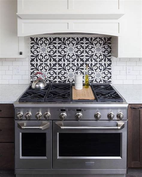 stove tile backsplash 25 best ideas about kitchen backsplash on