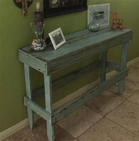 Distressed Entryway Table Diy Pallet Distressed Entryway Table Pallet Furniture Diy