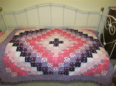 Trip Around The World Baby Quilt Pattern by Look What I Made Trip Around The World Quilt