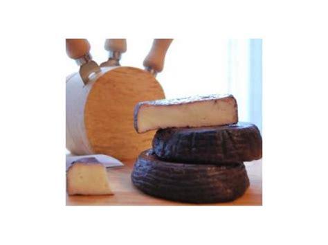 formaggio stagionato fatto in casa formaggio fatto e stagionato in casa aromatizzato al vino