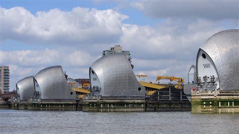 thames barrier upgrade thames barrier shut to prevent flooding london itv news