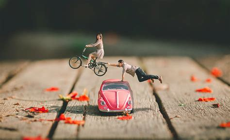 Wedding Miniature wedding photographer turns couples into miniature