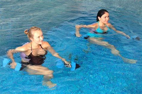 top 10 exercises to get fit in water two belles fitness
