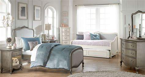 kensington bedroom set kensington antique silver katherine upholstered youth