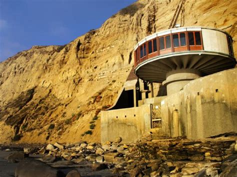 fortune house signal mountain boeing 727 house mushroom house flying saucer house world s weirdest homes gold