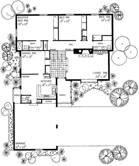 european style house plan 4 beds 3 baths 2800 sq ft plan european style house plan 4 beds 3 5 baths 1907 sq ft