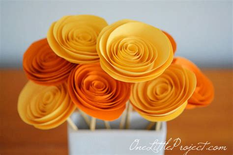 How To Make Rolled Paper Flowers - diy rolled paper flower craft the craftiest