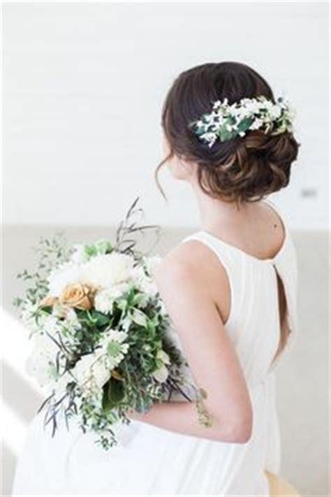 Hochzeitsfrisur Geflochten Blumen by 220 Ber 1 000 Ideen Zu Blumen Haar Auf Hochzeits