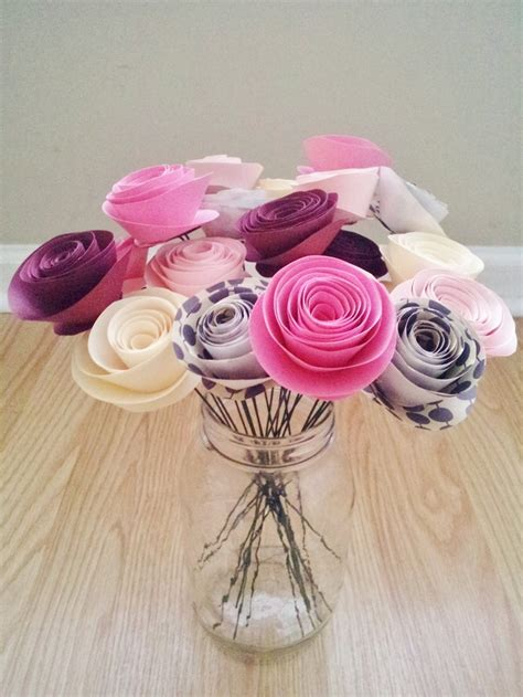 tutorial rolled paper flowers best 25 rolled paper flowers ideas on pinterest paper