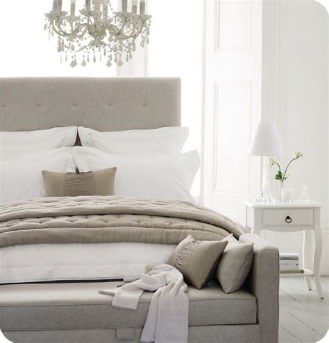 White Grey Cream Bedroom Colours Bedroom Ideas Gray And White Bedroom Ideas