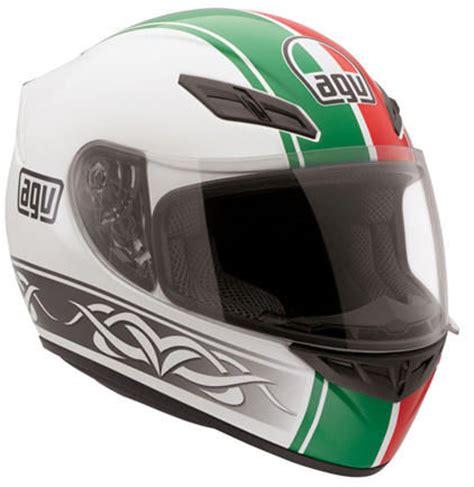 Kaos Vespa Vespa Italia 2 modern vespa does a vintage helmet