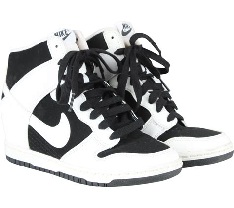Kj1 Sepatu Wedges Nike Sky Dunk White nike black and white dunk sky hi essential sneakers