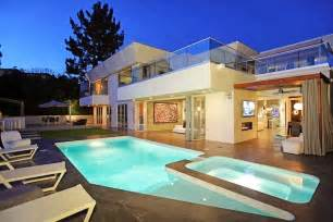 Awesome Pools Backyard Modern Beverly Hills House With Open Interiors