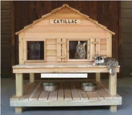Catillac insulated cat house w window plus heated cat house option