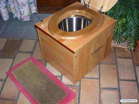 garten toilette trockentoilette garten abdeckung ablauf dusche