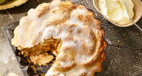 classic apple pie recipe  homes  gardens