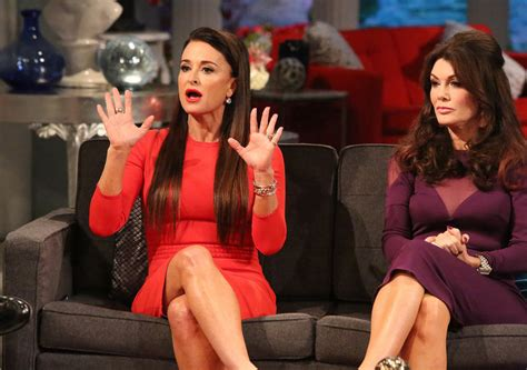 kyle richards earrings reunion 2015 real housewives of beverly hills reunion is this the