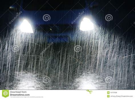 imágenes feliz noche lluviosa noche lluviosa fotos de archivo libres de regal 237 as
