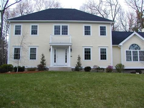 Hip Roof Style Homes Hip Roof Colonial House With Porch Hip Roof Colonial House Plans