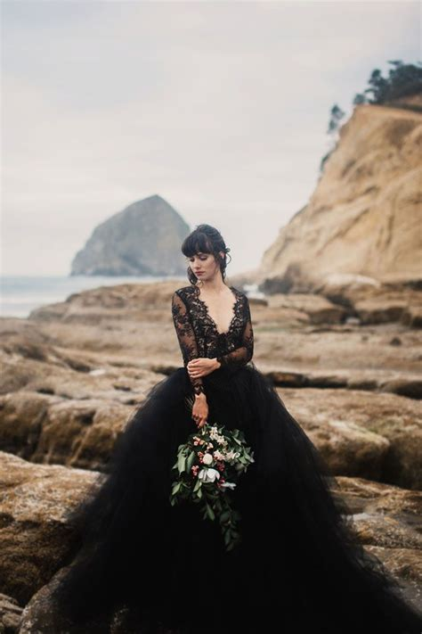 teppiche wedding 30 of the most stunning black wedding dresses