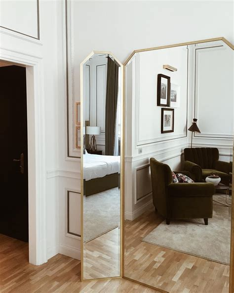 Miroir Verriere 724 by The Weekend I M There The Curtain Palazzodama