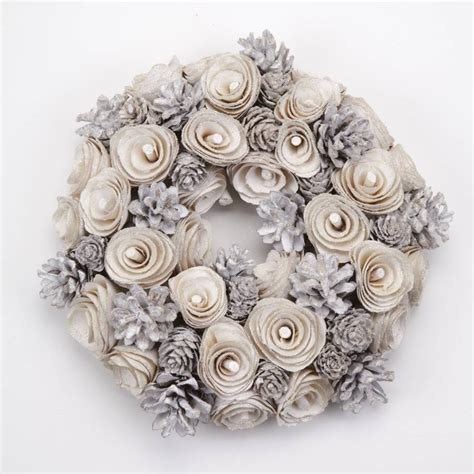 white pinecone christmas wreath by little red heart