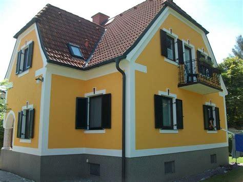fassade gelb 45 spektakul 228 re beispiele f 252 r moderne hausfassaden