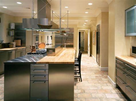 Kitchen Flooring Ideas That Match Kitchen Worktops