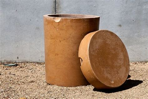 Concrete Stool Diy by Diy Concrete 5 Gallon Stool Ideas To Explore