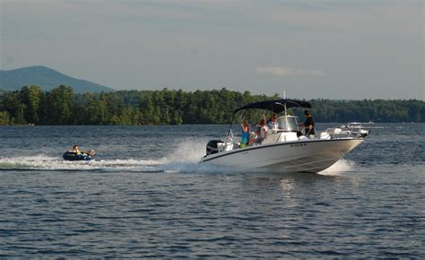 pictures of boats on the lake new england boating tv lake winnipesaukee nh new