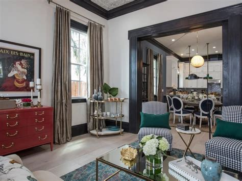 rooms to go new orleans brothers take new orleans living room transformations from drew and jonathan l wren