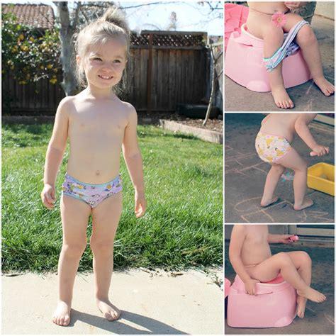 little girl potty training boys the gallery for gt little girl potty outside